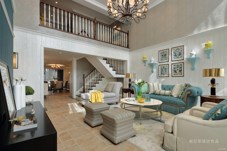 空间佐以清新绿,柠檬黄,姜黄,湖蓝不同层次颜色及布艺自外而内导入,使得室内装置与材质建构的语汇之间,产生一种与时尚、经典的对话形式。